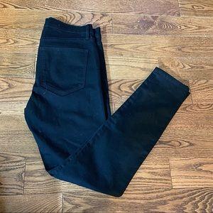 Gap women's black stretch jeans in size 27